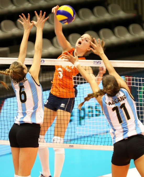 Voley Femenino: Argentina 0 - Holanda 3, Grand Prix 2014 published in Deportes
